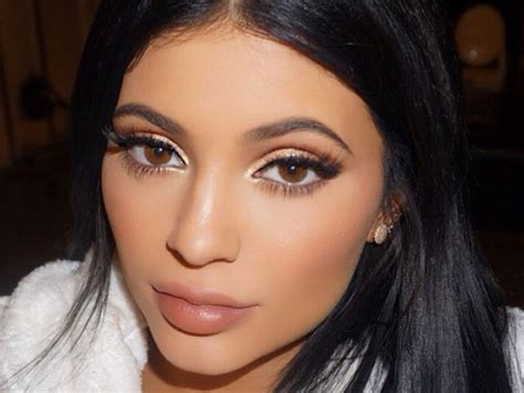 Kylie Jenner Actually Just Revealed Her Waxing Routine | Look