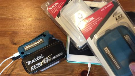 Makita LXT 18V USB Charger ADP05 Power Source (Switch