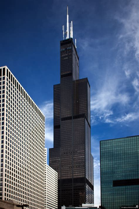 Chicago's Tallest Building Fetches $1