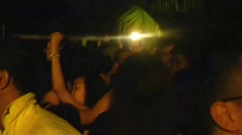 Siloso Beach PArty 2014 - My hot wife kissing stranger
